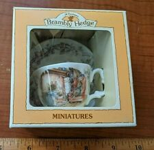 1988 ROYAL DOULTON BRAMBLY HEDGE MINIATURE Winter Teacup & Saucer - NEW in box