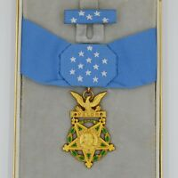 Cased US Badge Order WW1 WW2 Congressional Medal of Honor Army MOH Replica