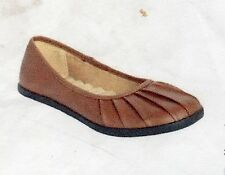 NEW WOMEN'S COMFORTVIEW ALL-TERRAIN FLATS (SHOES) COLOR: COGNAC  SIZE: 9 M