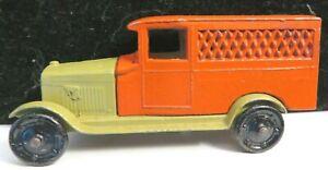 Vintage Tootsietoy GM Series Car #6206 Khaki/Red Chevrolet Delivery Van