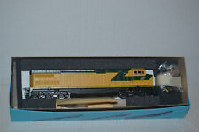 Athearn 4917 C&NW Chicago & NorthWestern C44-9w  Powered locomotive Ho Scale kit