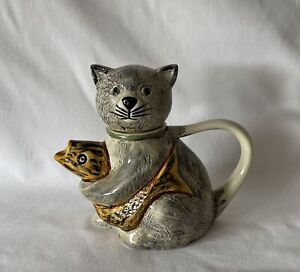 Collector CAT with Yellow Black Fish Teapot SILTONE POTTERY England 15cm Tall