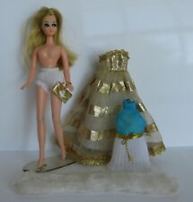 Vintage Topper Dawn Doll With Original Dress + Gold Go Round Outfit Gown Fur ++
