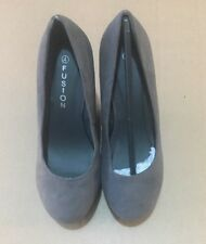 Fusion Swede LadIes Shoes Size 4