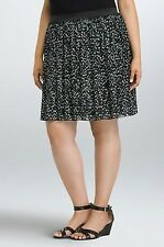 NWT Torrid Plus Size 2X ❤ Heart Chiffon Pleated  Black Skirt (UU19)