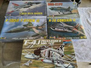 Lot 460 - 5 60's Jets - 1/48 Scale - Revell, Monogram. - New