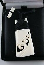Maori Bone Carving aus Neuseeland  ADZE   TOKI  Schmuckbox