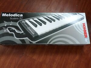 HOHNER STUDENT 32 MELODICA BOXED SUPERB TONE 32 KEYS WITH PIPE  !!