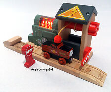 Sodor Battery Charging Station Set BRIO ELC THOMAS AND FRIENDS Wooden Trains