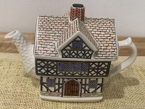 Sadler Teapot England English Country House Tudor House King Henry Vlll # 4437