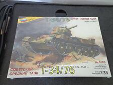 Zvezda 3525 - Soviet Medium Tank T-34/76 (1943) - Wwii / Scale Model New Sealed