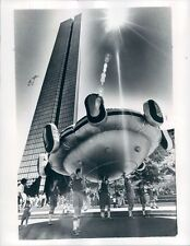 1978 Press Photo Sun Shines Over UFO Balloon Walk to The Sea Parade Boston MA