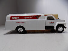 Ertl FORD F700 EXXON TANKER TRUCK   21 Year Old Replica Never Played With