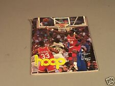 hoop NBA Magazine from 1994 with 9 Trading cards in place including  Barkley
