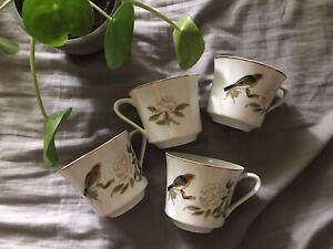 Set of 4 garden teacups Red bird & White rose
