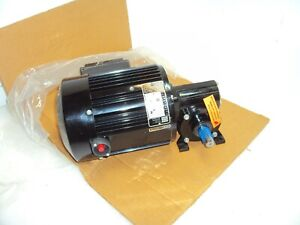 Bodine 48Y6BFS1-5N AC Right Angle Gearmotor 220/240V 1~ 15:1 Reduction 93 RPM