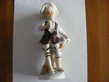 Porzellanfigur - Junge mit Weintrauben - keine Marke  Höhe ca. 19cm