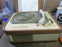Vintage  LESA LESAFON DIAMANTE LF52B Turntable portable record player 1957