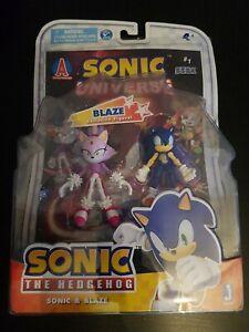 Rare Sega Jazwares Sonic The Hedgehog & Blaze The Cat Figure Two Pack & Comic