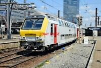 PHOTO  BELGIAN RAILWAYS -   SNCB/NMBS  TYPE M6 2ND CLASS COACH NO 65037 (BUILT 2