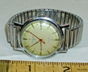 WALTHAM 15 JEWEL 1960s ROUND CHROME PLATED WRISTWATCH