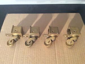 4 Möbelfüsse Messing Flügel Tisch ROLLEN Ø :  30 mm / Quadratisch 33x33 mm