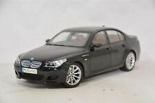 BMW 5er M5 E60 LIMOUSINE SAPHIRBLACK 1:18 KYOSHO DEALER VERY RARE
