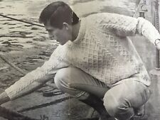 "FL20 - Vintage Knitting Pattern - Aran Jumper - sizes 38-42"""