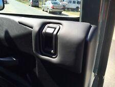 Land Rover Defender - Door Pad Armrest (INTERIOR, RIGHT-SIDE)