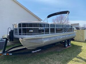 23.5ft Pontoon Boat - Fish and Cruise Now!