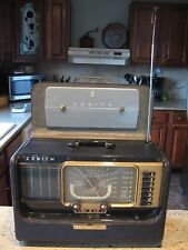 Vintage Zenith H500 Transoceanic portable tube radio..works super