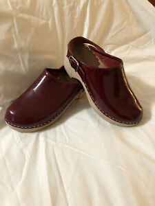 Hanna Andersson Wooden Clogs Dark Red Patent Leather Sz 34