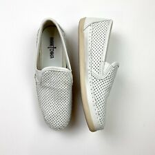 Minnetonka White Leather Perforated Laser Cut Slip On Sneakers Size 8.5 Padded