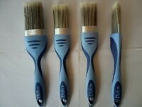 "4 DULUX PERFECT EDGES PAINT BRUSHES INCLUDES  2"" 50MM TWO 1.5""  37 MM + 1"" DIAMO"
