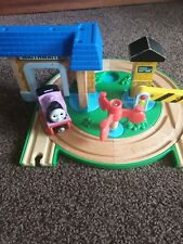 Thomas early engineers Roundabout Station set Thomas and friends Brio train wood