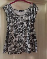 New Look Cold Shoulder Floral Top, Size 8 - Lovely!