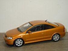 Opel Astra Coupe 2000 - Minichamps 1:43 *36561
