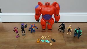 DISNEY BAYMAX ACTION TOY,  30cm TALL, PLUS 6 ACTION FIGURES, BIG HERO 6 EXC COND