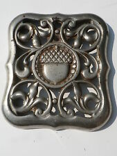 Charter Oak or Rathborn and Sard Stove Grate Very Heavy with Acorn Design