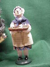 2003 Byers Choice Carolers  Girl with basket of Something!!?? Nice!193