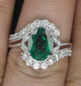 925 Sterling Silver / Oval Cut 1.50Ct AA Natural Zambian Emerald Engagement Ring