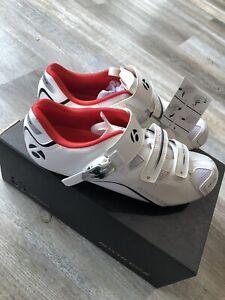 Bontrager Trek 13US / 46EU Mens Race DLX Road Bicycle Shoes White NOS