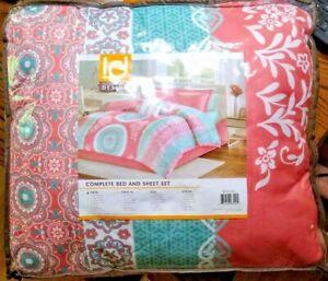 Intelligent Design Boho Style Complete Bedding Set ~Loretta Coral~ Twin Size New