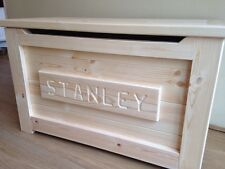 PINE WOODEN TOY BOX PERSONALISED  Ottoman SAFE HINGE FREE NAME PLAQUE