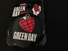 GREEN DAY PIN BUTTON BADGE GRENADE - AMERICAN IDOT 2005 - MINT ON PACKAGE