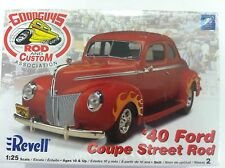 Revell 1940 Ford Coupe Street Rod 1/25 Plastic Model Car Kit 85-2894