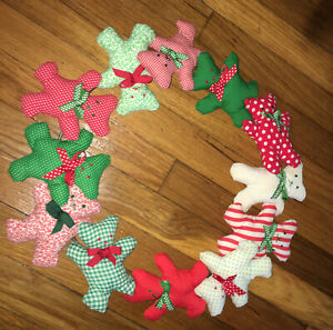 Adorable Christmas TEDDY BEARS Handmade WREATH