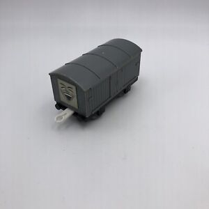 A71 Thomas & Friends, Trackmaster, LAUGHING COVERED TROUBLESOME TRUCK TOMY 2002