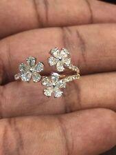 Pave 1,34 Cts Pear Round Cut Natürliche Diamanten 3-Flower Ring In 14 Karat Gold
