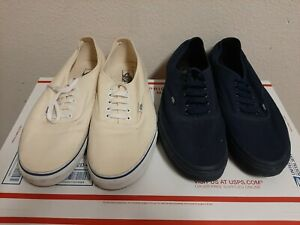 Vans Classic Athletic Sneakers skate boarding Mens shoes Size 13(2 pairs)